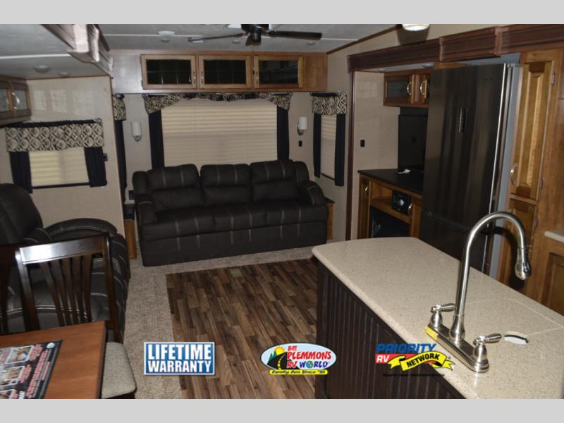 Coachmen Chaparral Fifth Wheel Interior