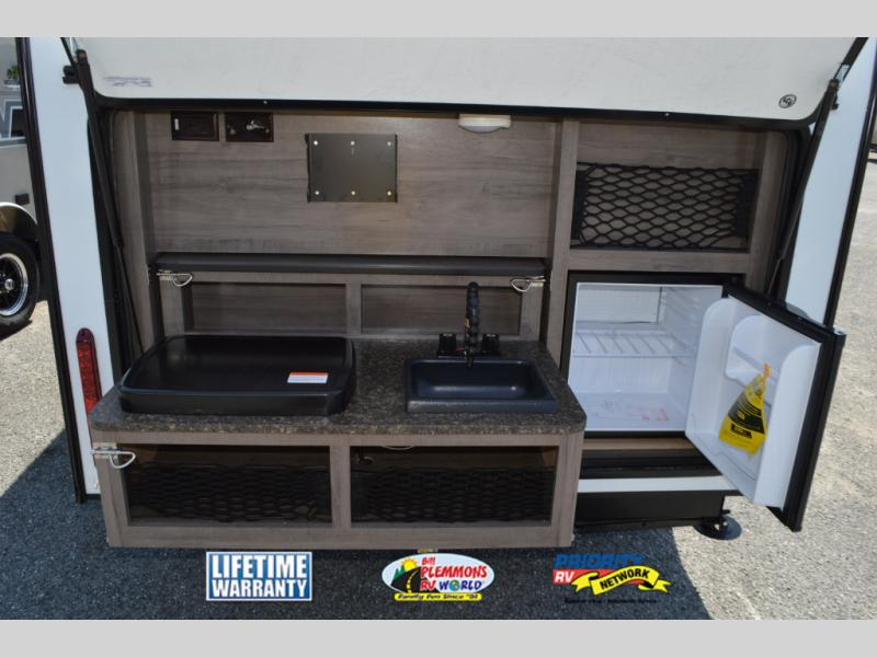 Winnebago Winnie Drop Travel Trailer Outdoor Kitchen